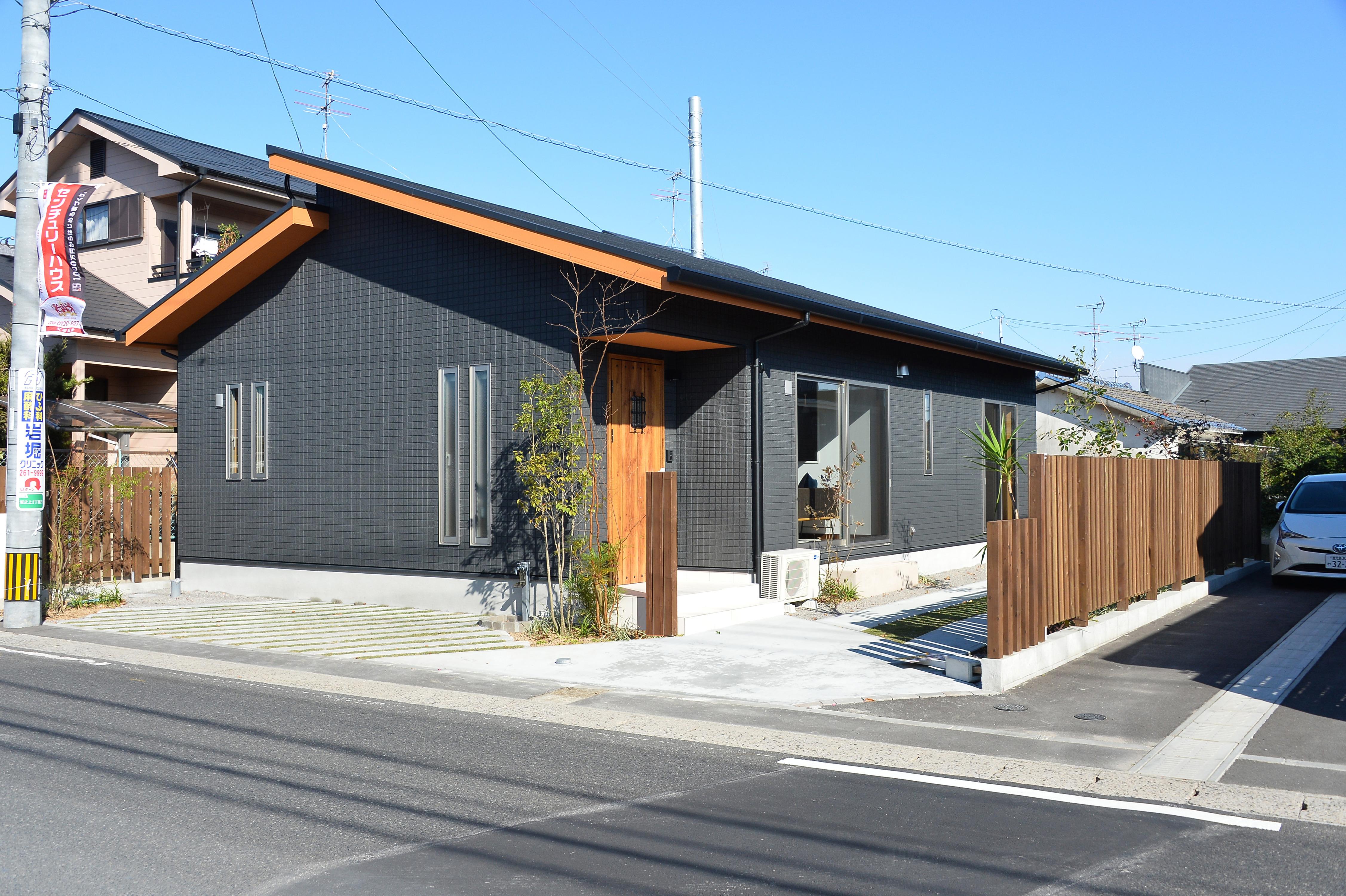 センチュリーハウス本店|開放的な空間が縦横に広がる平屋